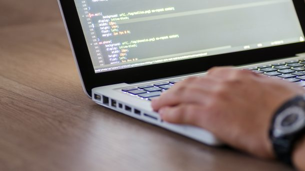 10 Advantages For Using Authentic Software